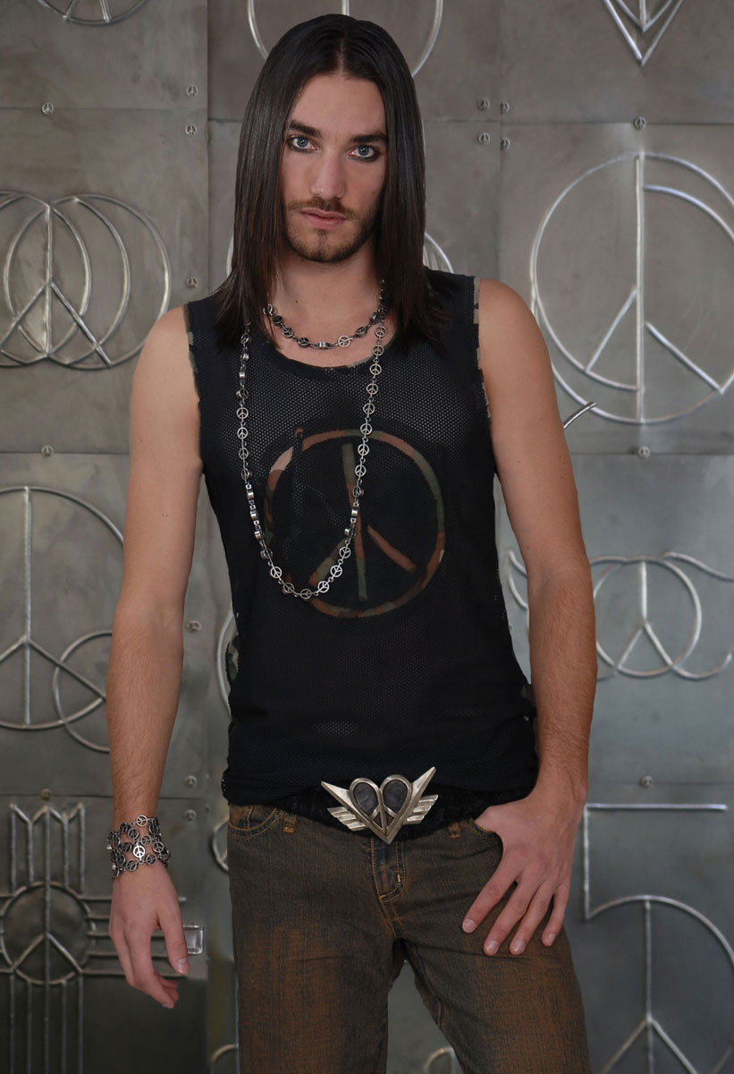 Peace-Mesh-Shirt-(Black-and-Camo)-Peace-Pearl-Necklace,-Catalac-Heart-Belt-Buckle-[Front]